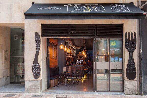 El dediez de la gorda, Oviedo