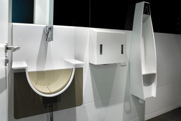 Oficinas Trabengoa baños en Solid Surface